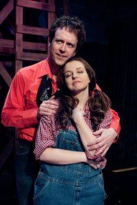 Brad Stephens (Curly) and Amanda Gupton (Laurey)